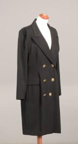 Yves Saint Laurent -  vintage frakkekjole med uniformsknapper Str. 36
