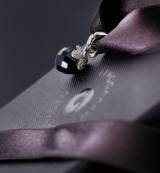 Ole Lynggaard. Dew Drops charm, diamonds and spinel, 18 kt. white gold
