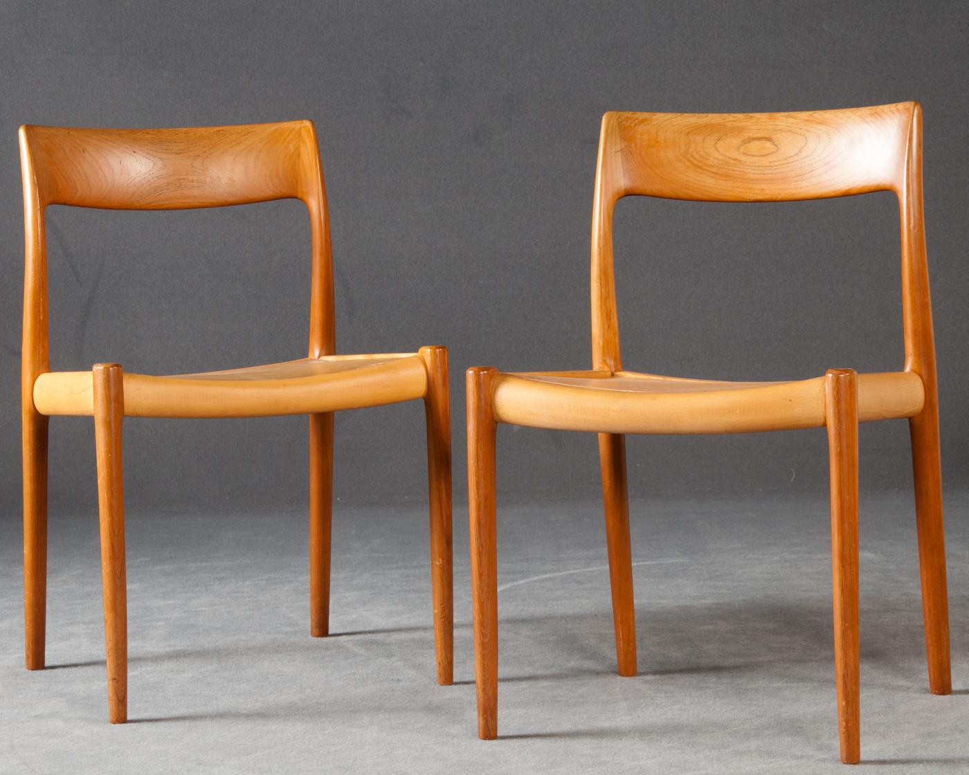Auktionstipset - Niels O. Møller, 2 Stühle Modell Nr. 77 für J. L. ...