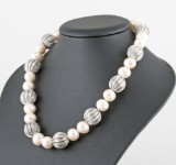 Diamond necklace with cultured pearls approx. 1.50ct