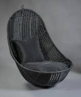 Udendørs hængestol af flettet polyrattan, sort