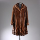 Prima Pels. Coat composed of specially selected high quality mink, swinger model, approx. 38