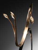 Guldarmring med brillanter. Jean Peter Larsen