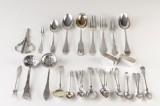 Samling div. dele sølv bestik, servietringe mm. ca. 650 gram. (30)