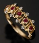 Ring, 9 kt guld med rubiner og diamanter
