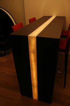 hoher esstisch mit 4 barhockern und deckenlampe mit dimmer ausstellungsst cke. Black Bedroom Furniture Sets. Home Design Ideas
