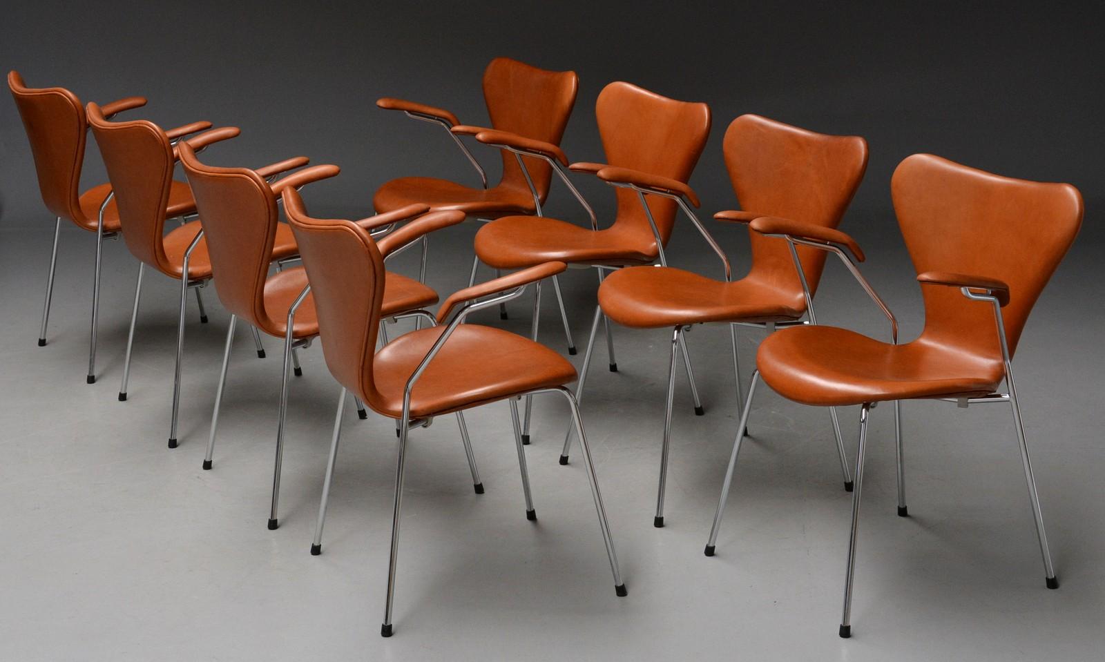 Auktionstipset Arne Jacobsen barstolar modell Sjuan 1 par