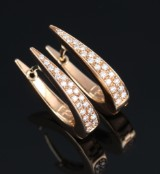 A pair of Italian diamond earrings, 18 kt. rose-coloured gold, total approx. 0.39 ct. TW/VVS-SI