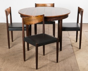 Poul Volther Frem Rojle Ein Tisch Esstisch Und Vier Stuhle