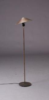 Standerlampe af patineret kobber