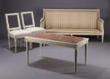 Gustaviansk stil, tre pers sofa, par stole samt sofabord (4)