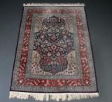 Anatolsk Hereke tæppe, uld på bomuld, 174 x 128 cm.