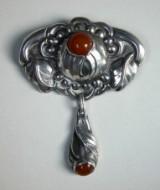 Skønvirke broche med rav Denne auktion er annulleret - se nu vare #1461351