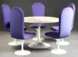 Eero Saarinen spisebord, model 'Tulip', fremstillet hos Knoll International, samt fem designstole (6)