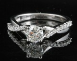 Ring in 18k set with briliant cut  diamonds 0.85 ct