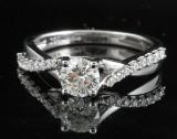 Ring in 18k set with briliant cut  diamonds 0.85 ct