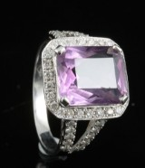 18kt amethyst diamond ring approx. 0.51ct
