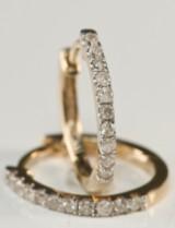 Par diamantøreringe. ca. 0.30 ct (2)