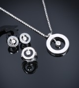 Roberto Coin. Jewellery set with diamonds, total approx. 2.30 ct. (4)