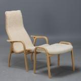 Yngve Ekström, lounge chair, 'Lamino' with ottoman, white sheepskin