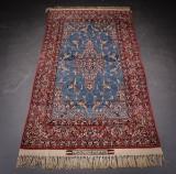 Persian Isfahan Seyrafian rug. 100 x 165 cm