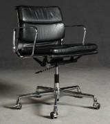 Ray & Charles Eames, Soft Pad EA 217, schwarzer Lederbezug, für Vitra
