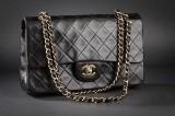 Chanel Vintage. Skuldertaske. Model 2.55 double flap. Sort quiltet lammeskind.
