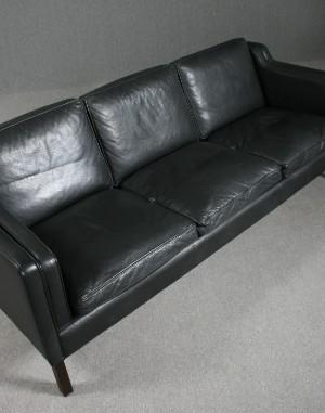 Stouby. 3-pers. sofa, model Eva, sort læder | Lauritz.com