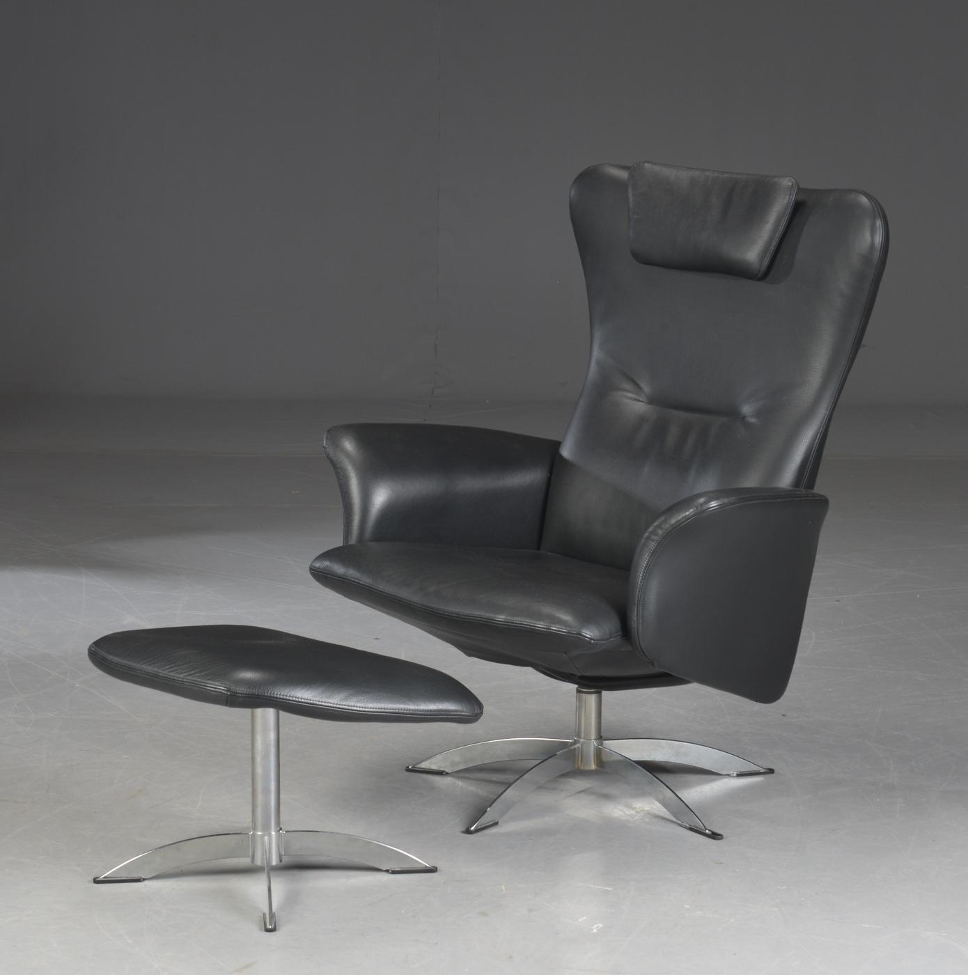 Hjort Knudsen. Lænestol, model Opus med skammel (2)