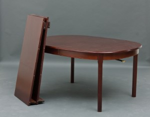 Mahogni spisebord med 6 stole og 2 tillægsplader (9)