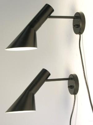 Arne Jacobsen 1902 1971 Et Par Aj Vaeglamper Sort 2 Lauritz Com