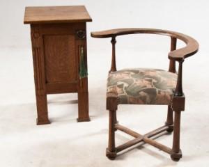 ware 3070820 zwei m bel arts crafts eiche stuhl und schr nkchen england um 1900 2. Black Bedroom Furniture Sets. Home Design Ideas