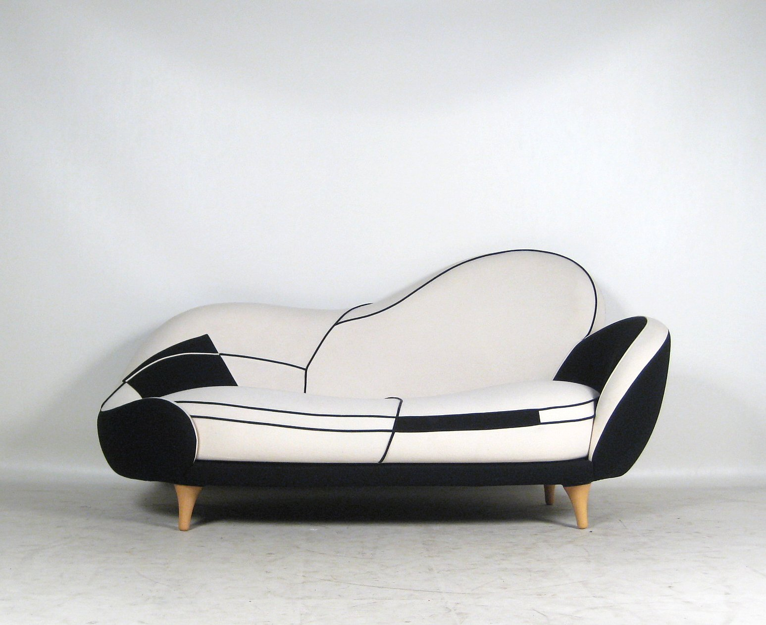 Javier Mariscal, Sofa Saula Marina Fra LOS MUEBLES AMOROSOS Serien For  Moroso Click Here To See A Larger Picture
