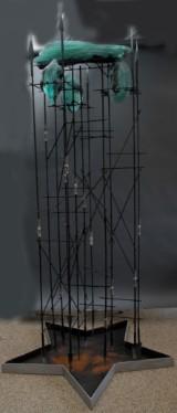 Viktor Hall. Skulptur betitlet 'Return to Sender' i form af glas og jern, primo 1990erne