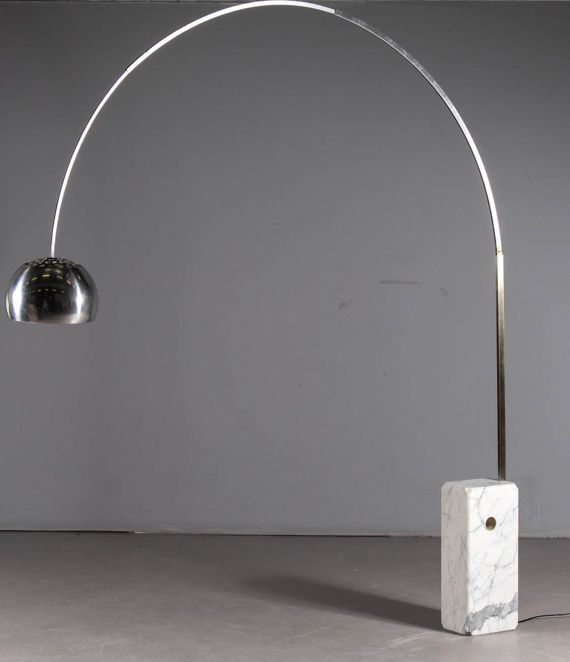 Bello Lampada Arco Castiglioni Immagine Di Lampada Arredamento