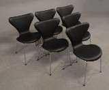 Arne Jacobsen. Six Series 7 chairs, model 3107, black leather (6)
