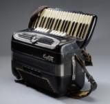 Giulietti pianoharmonika. Model F115