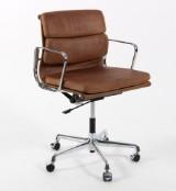Charles Eames. Soft Pad kontorstol, Model EA-217, brun læder