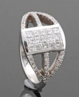 Diamond ring in 18kt approx. 0.92ct