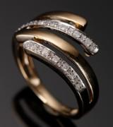 Diamantring, 9 kt guld med 0,25 ct. diamanter