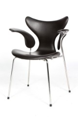 Arne Jacobsen. Armstol Liljen model 3208, Brown Label