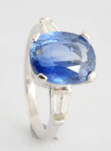 18kt diamond and Sapphire ring with IGI colored stone report