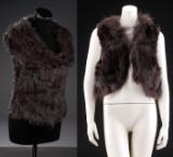 Fur Living. Vest af strik og kanin. Str. i tekst. Farve: Khaki brun & Fur Living. Vest af kanin og raccon. Farve: Brun (2)