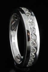 Ring in 18k set with brilliant cut diamonds 0.48 ct