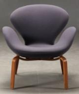 Arne Jacobsen. The Swan easy chair, model 4325
