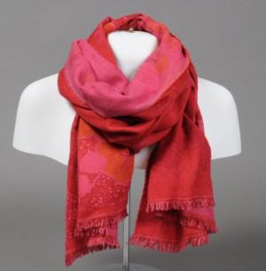 5efe5bea702 Slutpris för Kenzo. Tørklæde i røde og
