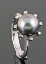 Tahiti perle og diamantring i 18kt ca . 0.03ct <br>