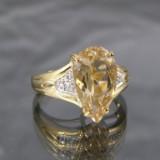 Ring af guld med heliodor og brillanter