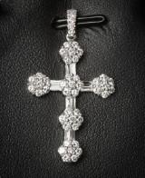 Korsvedhæng af hvidguld med diamanter, ca. 1.36 ct.