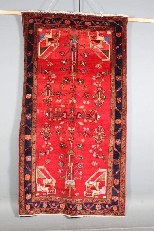 Persisk Hammadan, 155 x 282 cm - Persisk Hammadan, håndknyttet tæppe, udført i uld på bomuldsbund. Mål 155 x 282 cm. Bemærk nuanceforskel